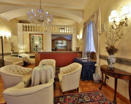 The Lounge Bar of the BW Plus 4 star Hotel Genova Turin, elegant downtown