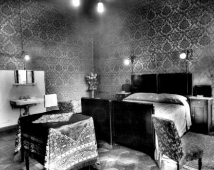 1940/1945-A room in the Hotel Genoa in the mid-20th century