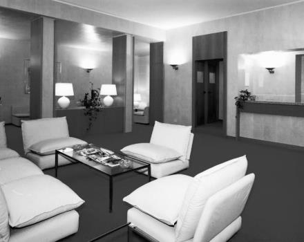 1980-the new lounge and bar of the Hotel Genova replace the restaurant. It is from this period the insertion of the first elevator