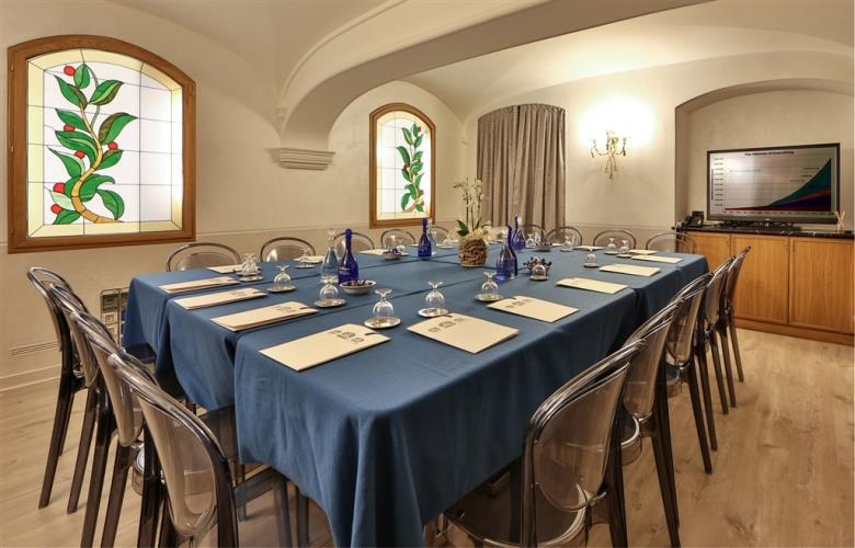Discover how to organize your conferences in Torino at the Best Western Plus Hotel Genova