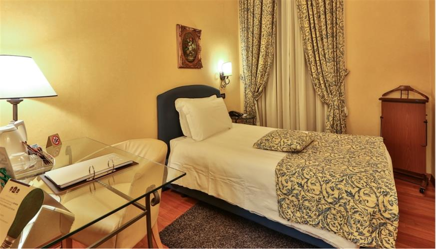 Book/reserve a room in Torino, stay at the Best Western Plus Hotel Genova
